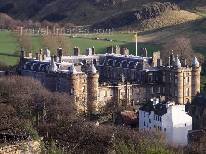 scot77: Scotland - Ecosse - Edinburgh: Holyrood house - official residence of the monarch in Scotland - Royal Mile - photo R.Wallace - (c) Travel-Images.com - Stock Photography agency - Image Bank