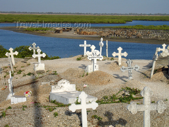 senegal102: Senegal - Joal-Fadiouth: cemetery - shell village - view to the storage granaries on piles - photo by G.Frysinger - (c) Travel-Images.com - Stock Photography agency - Image Bank