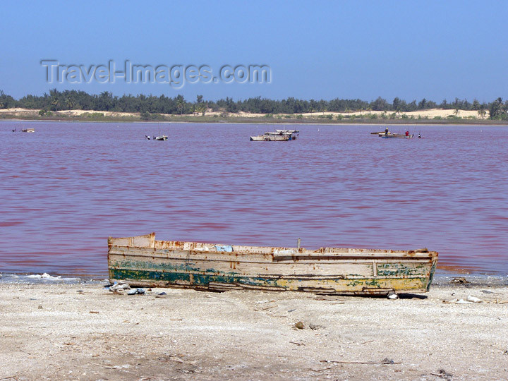 senegal14: Senegal - Lake Retba or Lake Rose: shallow lake with a high salt content appears pink in color - finishing point of the Dakar Rally  - photo by G.Frysinger - (c) Travel-Images.com - Stock Photography agency - Image Bank