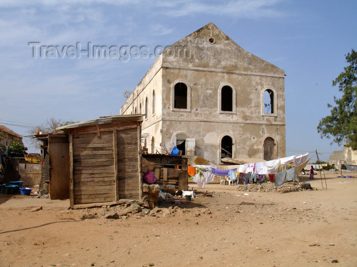 senegal45: Senegal - Gorée Island: ruins in the fort - photo by G.Frysinger - (c) Travel-Images.com - Stock Photography agency - Image Bank