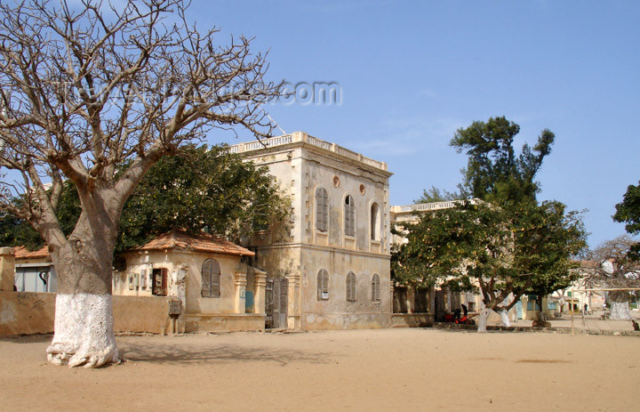 senegal46: Senegal - Gorée Island: colonial architecture in the fort - photo by G.Frysinger - (c) Travel-Images.com - Stock Photography agency - Image Bank