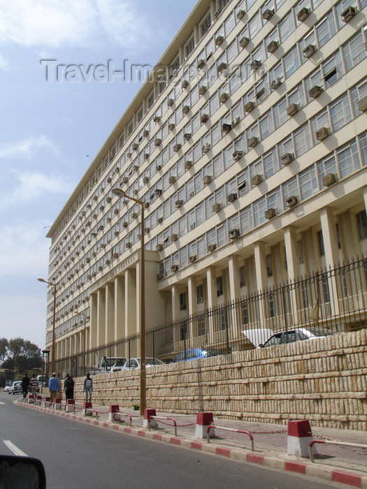 senegal53: Senegal - Dakar: government building - ministery of Justice - Ministère de la Justice - photo by G.Frysinger - (c) Travel-Images.com - Stock Photography agency - Image Bank