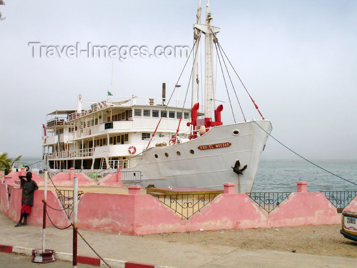 senegal66: Senegal - Saint Louis: old passenger boat - ocean front - photo by G.Frysinger - (c) Travel-Images.com - Stock Photography agency - Image Bank