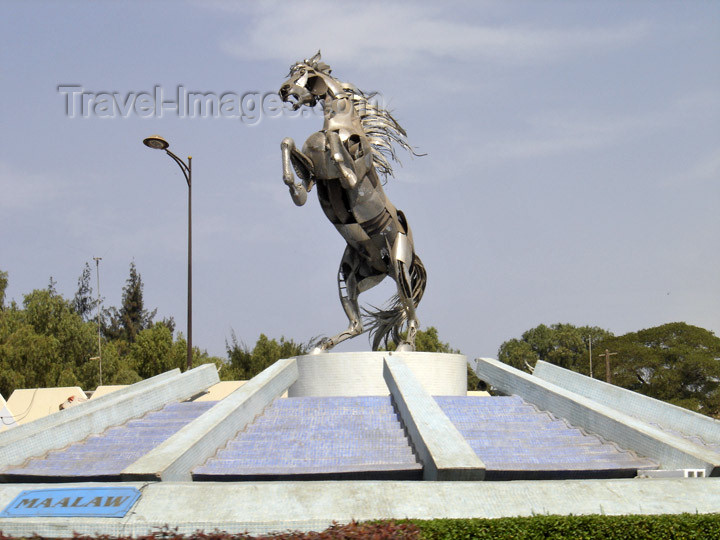senegal7: Senegal - Dakar: Monument dedicated to Maalaw, the horse of the Senegalese resistance fighter Lat Dior Diop, near the great mosque - photo by G.Frysinger - (c) Travel-Images.com - Stock Photography agency - Image Bank