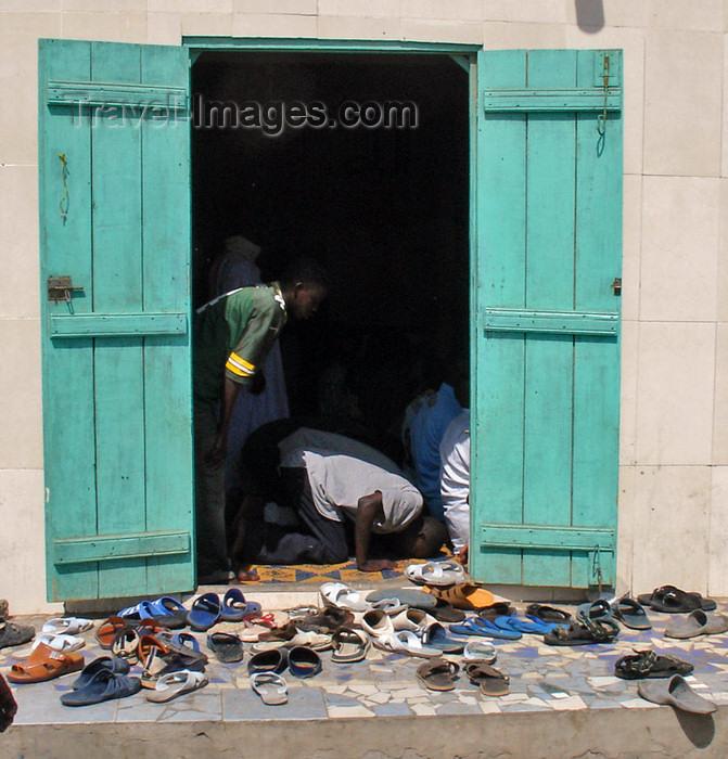 senegal71: Senegal - Saint Louis: Fishermen's Port mosque - shoes - photo by G.Frysinger - (c) Travel-Images.com - Stock Photography agency - Image Bank