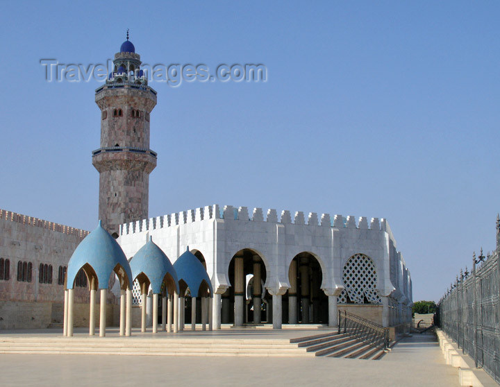 senegal85: Senegal - Touba - Great mosque - arches and domes - photo by G.Frysinger - (c) Travel-Images.com - Stock Photography agency - Image Bank