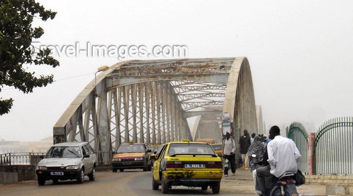 senegal9: Senegal - Saint Louis: Faidherbe bridge - river Sénégal - border with Mauritania - photo by G.Frysinger - (c) Travel-Images.com - Stock Photography agency - Image Bank