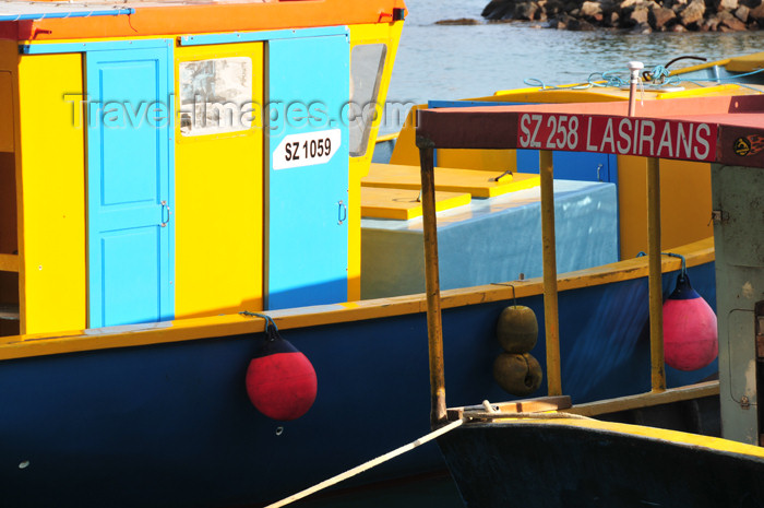 seychelles103: Mahe, Seychelles: Bel Ombre - fishing boats - Lasirans - photo by M.Torres - (c) Travel-Images.com - Stock Photography agency - Image Bank
