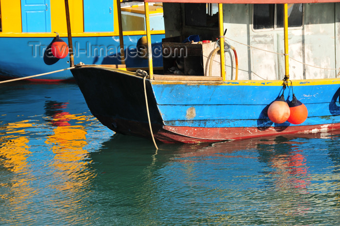 seychelles105: Mahe, Seychelles: Bel Ombre - blue fishing boats - Lasirans - photo by M.Torres - (c) Travel-Images.com - Stock Photography agency - Image Bank