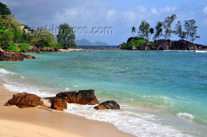 seychelles111: Mahe, Seychelles: Port Glaud - beach and Petite ile - photo by M.Torres - (c) Travel-Images.com - Stock Photography agency - Image Bank