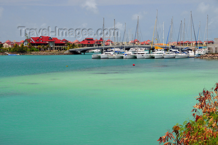 seychelles120: Mahe, Seychelles: Eden island - yachts along the causeway - emerald water - photo by M.Torres - (c) Travel-Images.com - Stock Photography agency - Image Bank