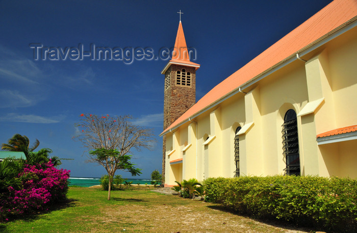 seychelles133: Mahe, Seychelles: Anse Royal - Church - blue, red, green and yellow - photo by M.Torres - (c) Travel-Images.com - Stock Photography agency - Image Bank