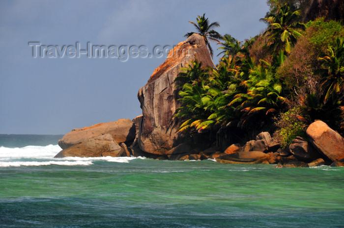 seychelles138: Mahe, Seychelles: Anse Baleine - coastal rocks - photo by M.Torres - (c) Travel-Images.com - Stock Photography agency - Image Bank