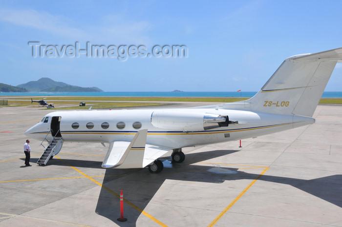 seychelles151: Mahe, Seychelles: Grumman G-1159 Gulfstream II-SP ZS-LOG (cn 19) - twin engine business jet - Seychelles International Airport - SEZ - photo by M.Torres - (c) Travel-Images.com - Stock Photography agency - Image Bank