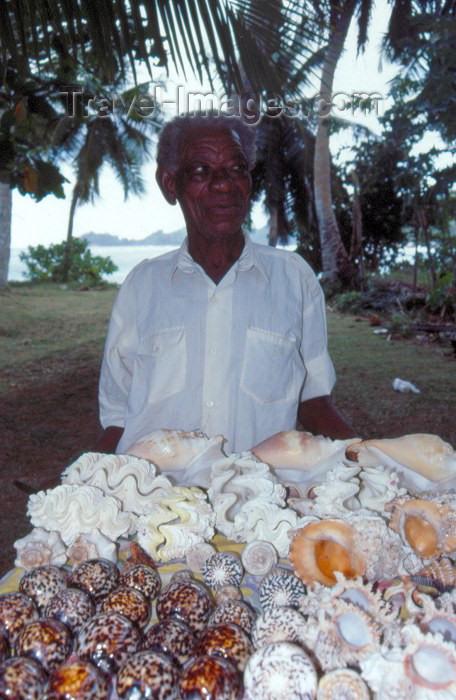 seychelles23: Seychelles - Mahe island: Anse Takamaka - conch seller - photo by F.Rigaud - (c) Travel-Images.com - Stock Photography agency - Image Bank