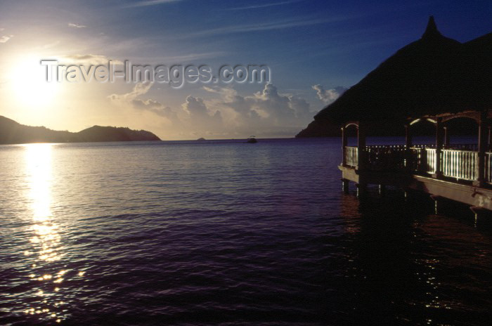 seychelles44: Seychelles - Praslin island: dusk - Hotel La Reserve - photo by F.Rigaud - (c) Travel-Images.com - Stock Photography agency - Image Bank