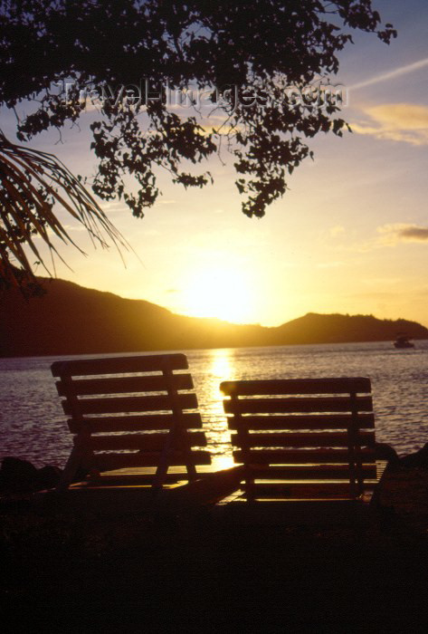 seychelles45: Seychelles - Praslin island: life as seen from a deck chair - Hotel La Reserve - photo by F.Rigaud - (c) Travel-Images.com - Stock Photography agency - Image Bank