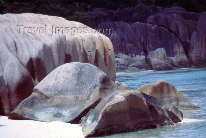 seychelles55: Seychelles - La Digue island: Anse Source d'Argent - photo by F.Rigaud - (c) Travel-Images.com - Stock Photography agency - Image Bank