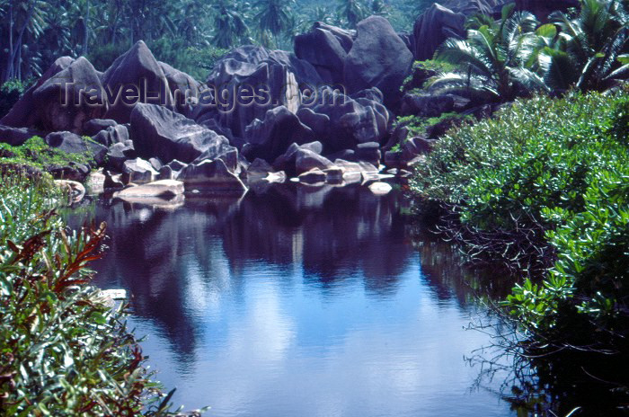 seychelles60: Seychelles - La Digue island: Grand Anse - photo by F.Rigaud - (c) Travel-Images.com - Stock Photography agency - Image Bank