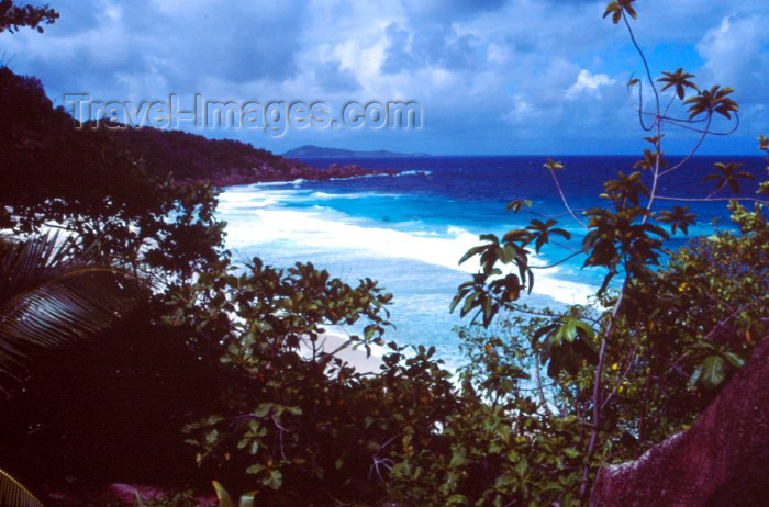 seychelles61: Seychelles - La Digue island: Petite Anse - photo by F.Rigaud - (c) Travel-Images.com - Stock Photography agency - Image Bank