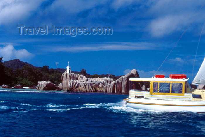 seychelles62: Seychelles - La Digue island: coast with eroded rocks - photo by F.Rigaud - (c) Travel-Images.com - Stock Photography agency - Image Bank