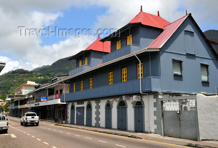 seychelles78: Mahe, Seychelles: Victoria - Creole buildings on Albert street - photo by M.Torres - (c) Travel-Images.com - Stock Photography agency - Image Bank