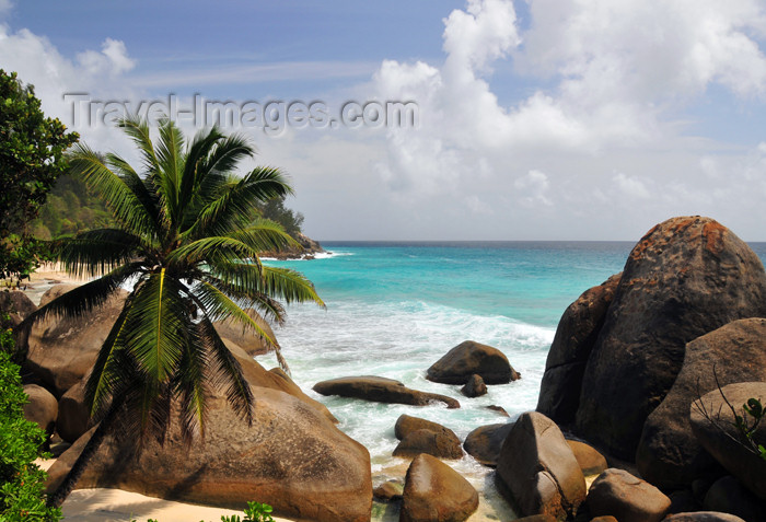 seychelles99: Mahe, Seychelles: Glacis - rocky cove - photo by M.Torres - (c) Travel-Images.com - Stock Photography agency - Image Bank