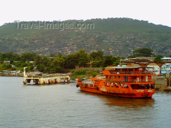 sierra-leone31: Freetown, Sierra Leone: rusting boats at the ferry terminal - photo by T.Trenchard - (c) Travel-Images.com - Stock Photography agency - Image Bank