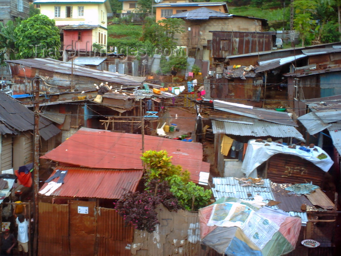 sierra-leone32: Freetown, Sierra Leone: slums on the slopes - photo by T.Trenchard - (c) Travel-Images.com - Stock Photography agency - Image Bank