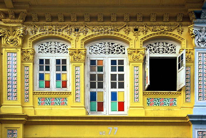 sing98: Singapore - Shop House - decorated yellow façade - photo by S.Lovegrove - (c) Travel-Images.com - Stock Photography agency - Image Bank