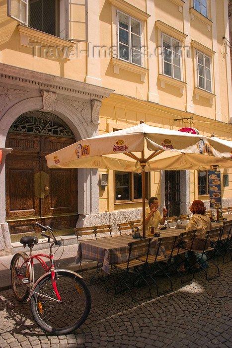 slovenia105: Restaurants in the old town, Ljubljana, Slovenia - photo by I.Middleton - (c) Travel-Images.com - Stock Photography agency - Image Bank
