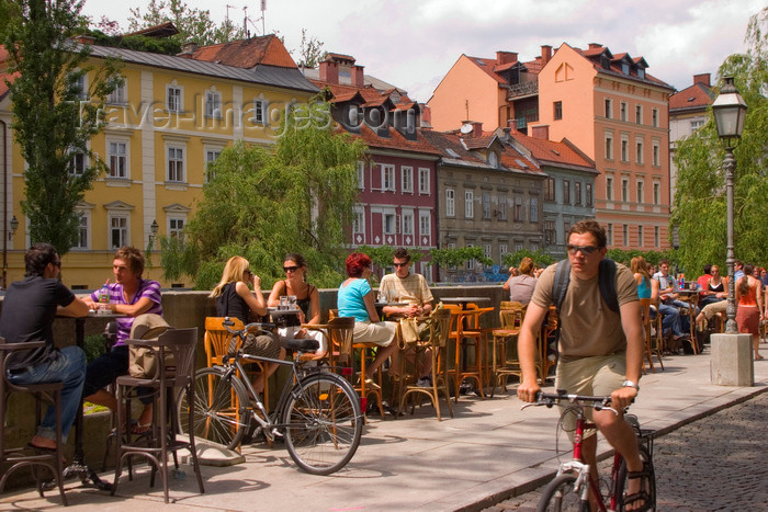 slovenia106: Restaurants beside the Ljubljanica river, Ljubljana, Slovenia - photo by I.Middleton - (c) Travel-Images.com - Stock Photography agency - Image Bank