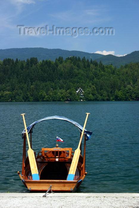 slovenia162: Slovenia - Pletna moored on Lake Bled - pletnas are made by thr skilled boat carpenters from the village of Mlino - the name comes from a German word Pleten - photo by I.Middleton - (c) Travel-Images.com - Stock Photography agency - Image Bank