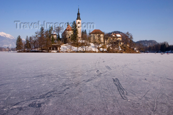 slovenia185: Slovenia - frozen lake Bled and the island church of the Assumption of Mary - Cerkev Marijinega vnebovzetja - photo by I.Middleton - (c) Travel-Images.com - Stock Photography agency - Image Bank