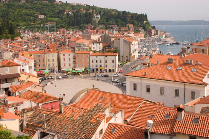 slovenia302: Slovenia - Piran: view of Tartinijev Trg from above - photo by I.Middleton - (c) Travel-Images.com - Stock Photography agency - Image Bank