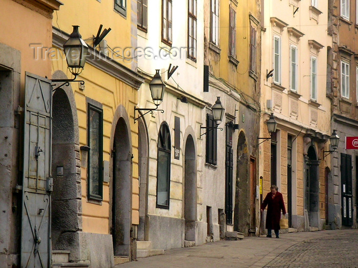 slovenia32: Slovenia - Ljubljana / LJU : Timeless streets - old town - photo by A.Kilroy - (c) Travel-Images.com - Stock Photography agency - Image Bank