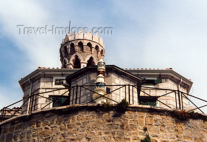 slovenia411: Slovenia - Piran: tower and lighthouse at the extreme of the peninsula - Punta Madonna - Presernovo nabrezje - photo by M.Torres - (c) Travel-Images.com - Stock Photography agency - Image Bank