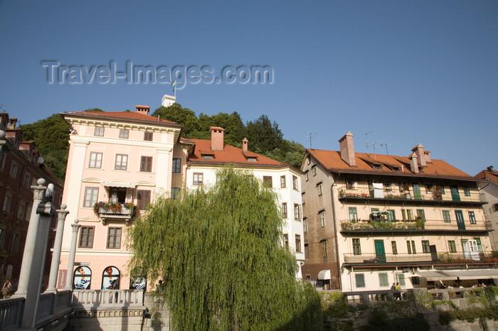 slovenia733: Slovenia - Ljubliana: along the Ljubljanica River with Ljubljana castle in background - photo by I.Middleton - (c) Travel-Images.com - Stock Photography agency - Image Bank