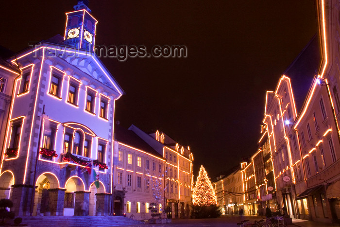 slovenia83: Town hall and the old town, Christmas lights, Ljubljana, Slovenia - photo by I.Middleton - (c) Travel-Images.com - Stock Photography agency - Image Bank