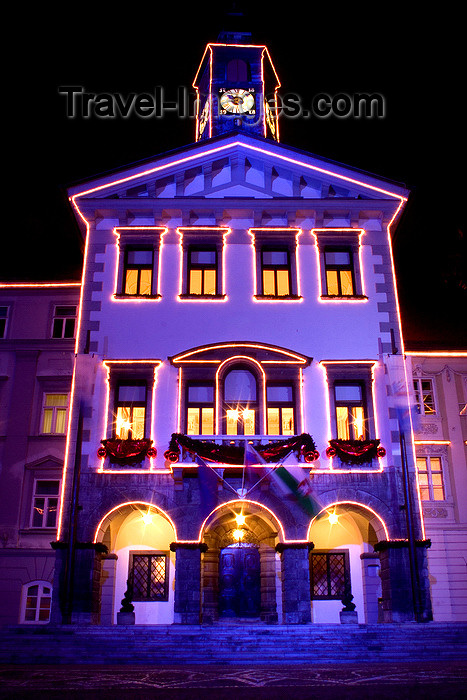 slovenia84: Town hall lit up at night for Christmas, Ljubljana, Slovenia - photo by I.Middleton - (c) Travel-Images.com - Stock Photography agency - Image Bank