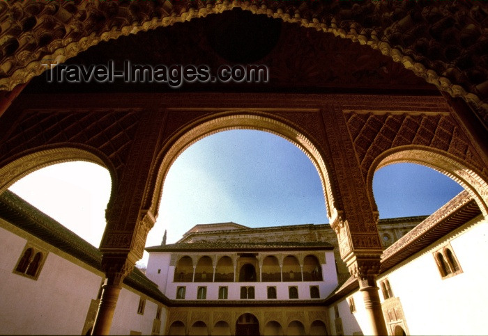 Spain / España - Granada: the Alhambra - arches / arcos (photo by F.Rigaud)