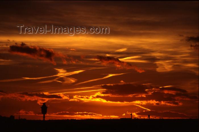 spai288: Spain - Madrid: sunset, Mirador de la Moncloa - photo by K.Strobel - (c) Travel-Images.com - Stock Photography agency - Image Bank