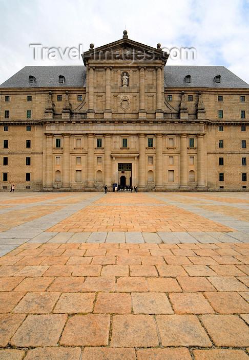 spai328: Spain / España - San Lorenzo de El Escorial: Royal Monastery of San Lorenzo de El Escorial - facade - entrance to Patio de los Reys - Real Monasterio de San Lorenzo de El Escorial - UNESCO World Heritage Site - photo by M.Torres - (c) Travel-Images.com - Stock Photography agency - Image Bank