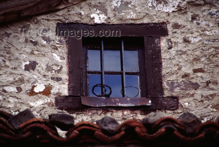 spai422: Spain - Cantabria - Potes - window - photo by F.Rigaud - (c) Travel-Images.com - Stock Photography agency - Image Bank