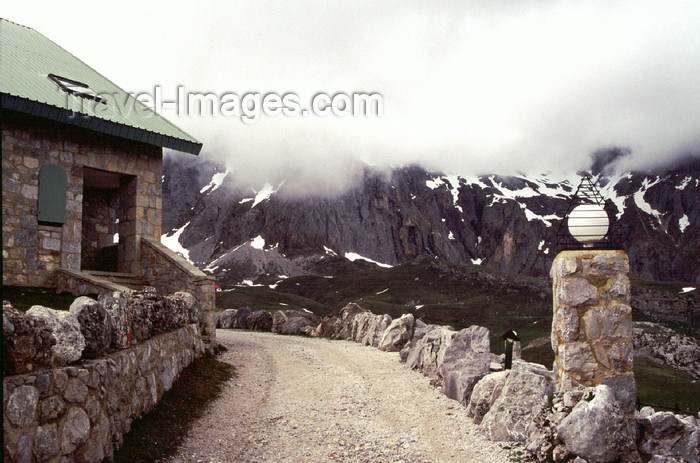 spai424: Spain - Cantabria - Áliva - mointain refuge - photo by F.Rigaud - (c) Travel-Images.com - Stock Photography agency - Image Bank