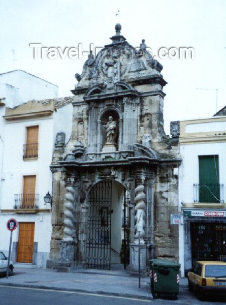 spai8: Spain / España - Cordoba / ODB : gate - Historic Centre of Cordoba - Unesco world heritage site  (Andalucía) - photo by M.Torres - (c) Travel-Images.com - Stock Photography agency - Image Bank
