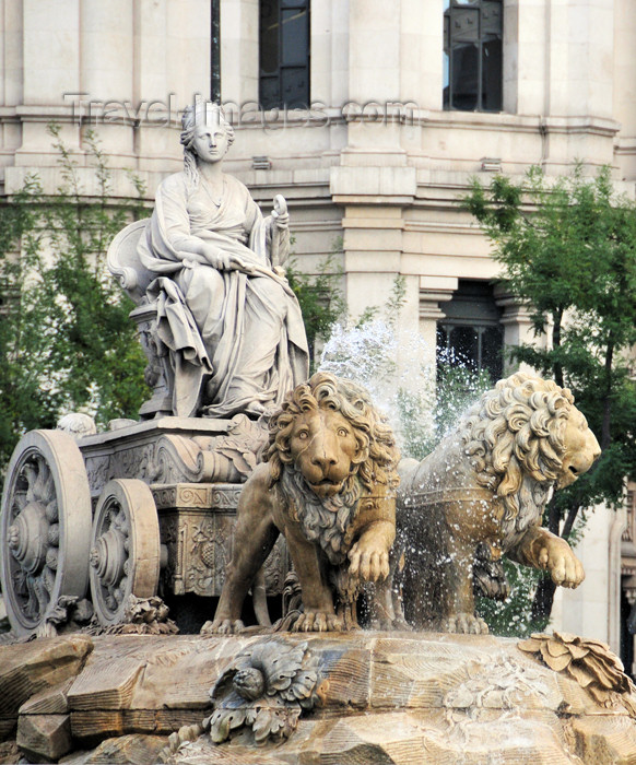 spai96: Madrid, Spain / España: Cibeles Fountain / Fuente de la Cibeles - Plaza de Cibeles, dedicated to the Phrygian goddess of fertility - photo by M.Torres - (c) Travel-Images.com - Stock Photography agency - Image Bank