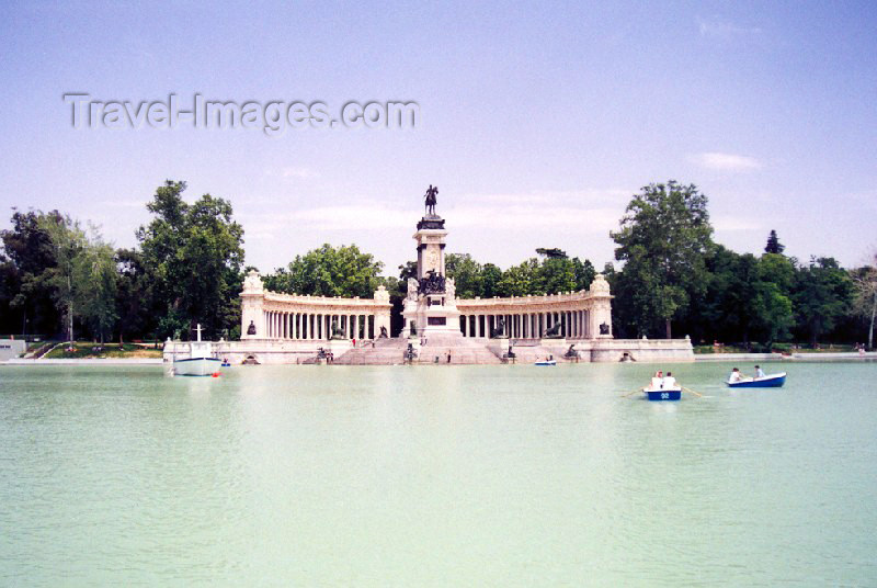 spai98: Spain / España - Madrid: Parque del Retiro - Alfonso XII monument / Monumento a Alfonso XII - photo by M.Torres - (c) Travel-Images.com - Stock Photography agency - Image Bank