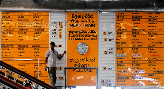 sri-lanka208: Colombo, Sri Lanka: information board - arrivals and departures are updated manually - Colombo Fort Railway Station - photo by M.Torres - (c) Travel-Images.com - Stock Photography agency - Image Bank