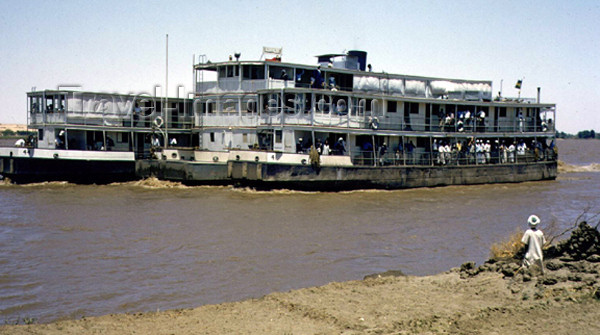 sudan9: Sudan - Wadi Halfa: Nile boats - ferry - photo by Galen Frysinger - (c) Travel-Images.com - Stock Photography agency - Image Bank